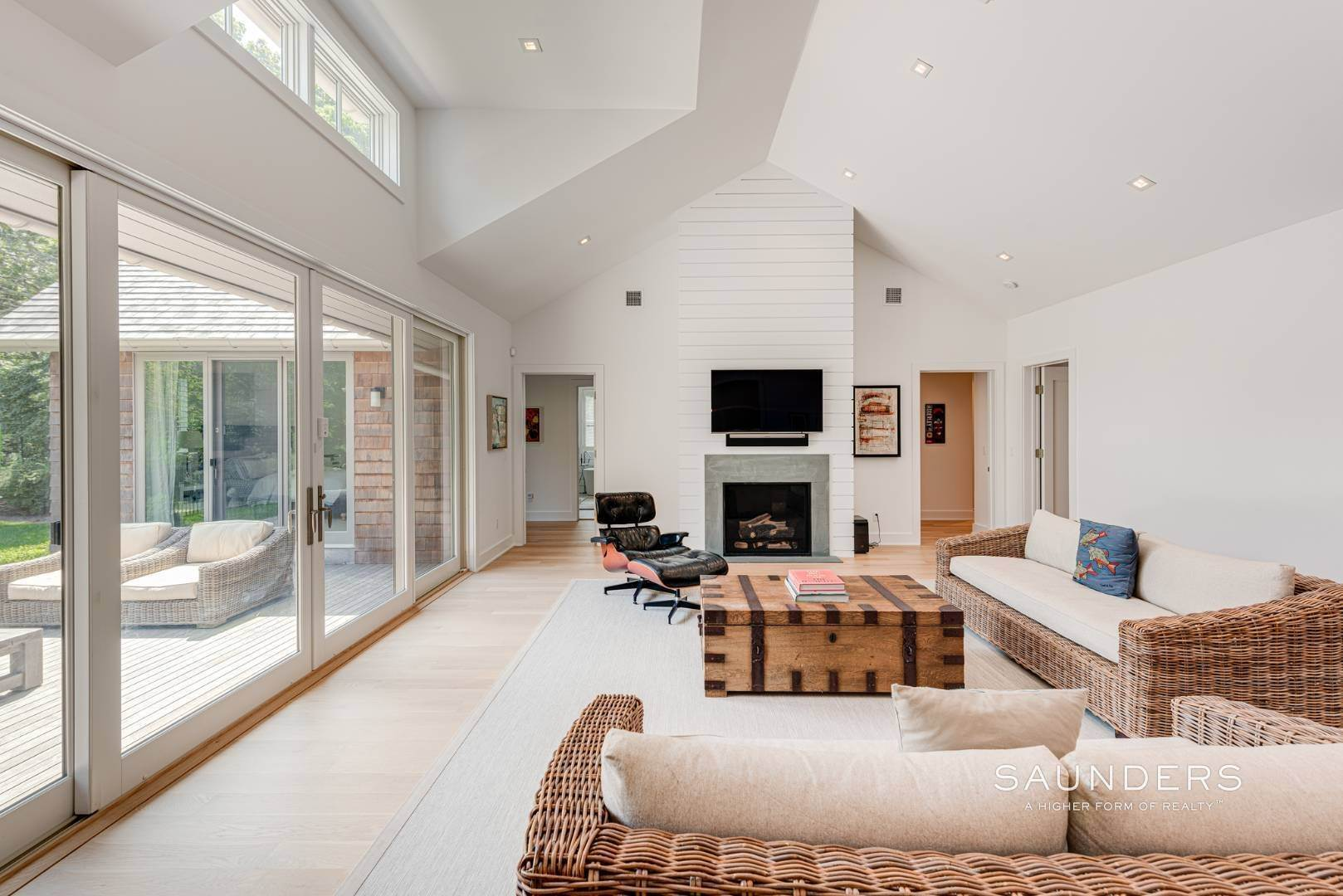 7. Single Family Homes at High Quality In Hampton Waters 8 Albertines Lane, East Hampton, East Hampton Town, NY 11937