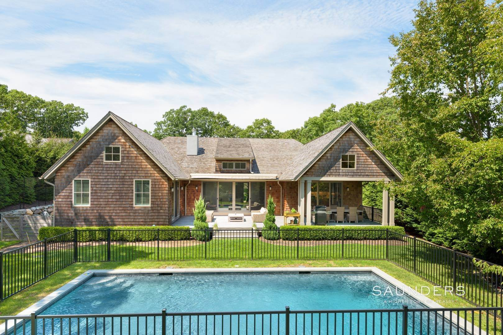4. Single Family Homes at High Quality In Hampton Waters 8 Albertines Lane, East Hampton, East Hampton Town, NY 11937