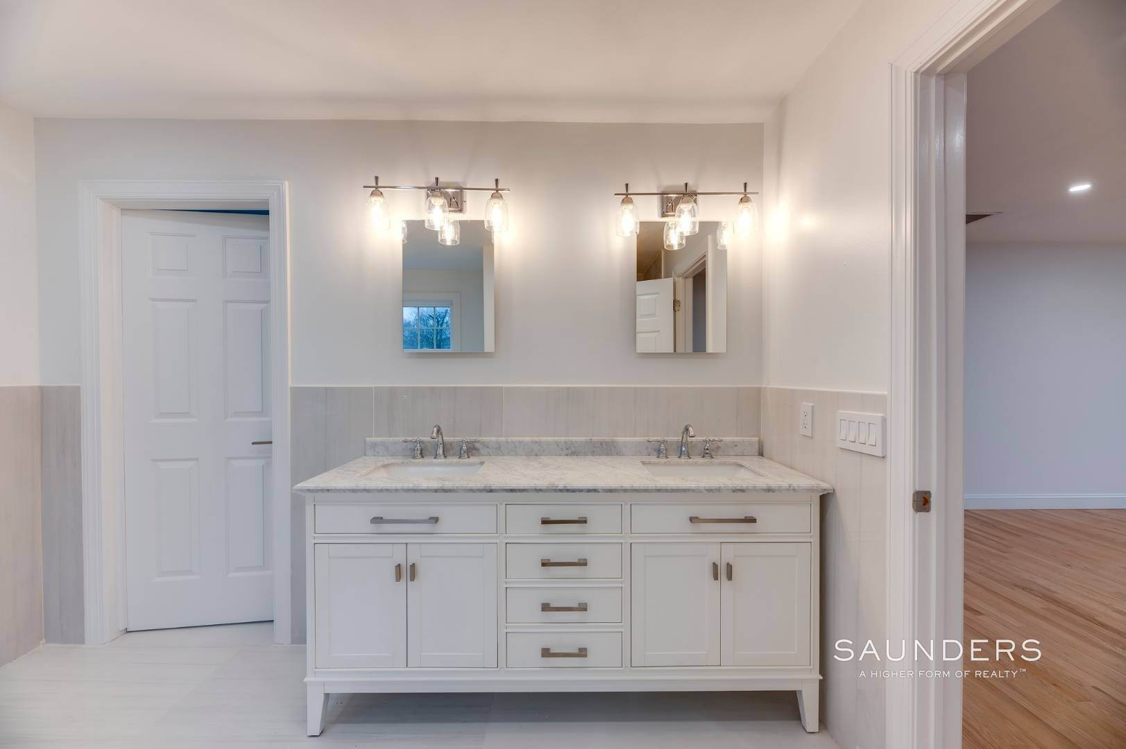11. Single Family Homes at Beautiful New Home In Southampton 52 Sandy Hollow Road, Southampton, Southampton Town, NY 11968