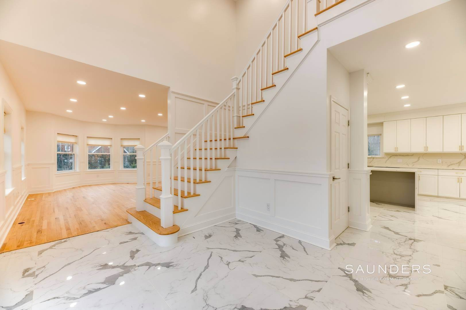 2. Single Family Homes at Beautiful New Home In Southampton 52 Sandy Hollow Road, Southampton, Southampton Town, NY 11968