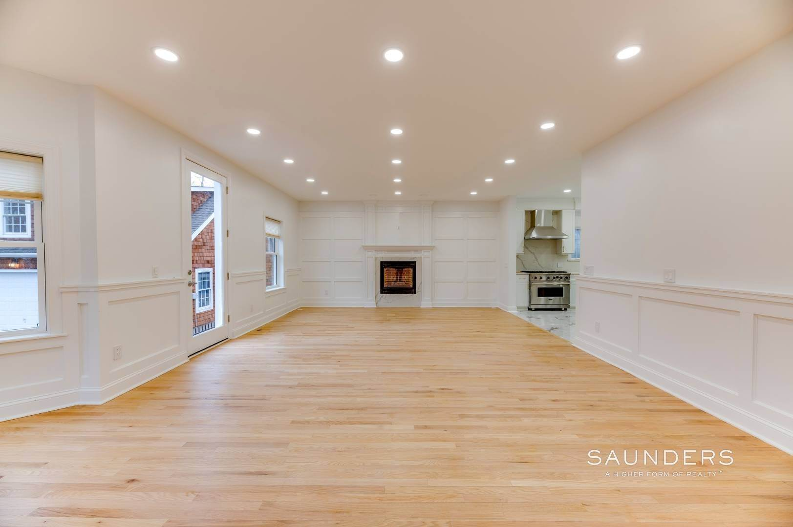 4. Single Family Homes at Beautiful New Home In Southampton 52 Sandy Hollow Road, Southampton, Southampton Town, NY 11968
