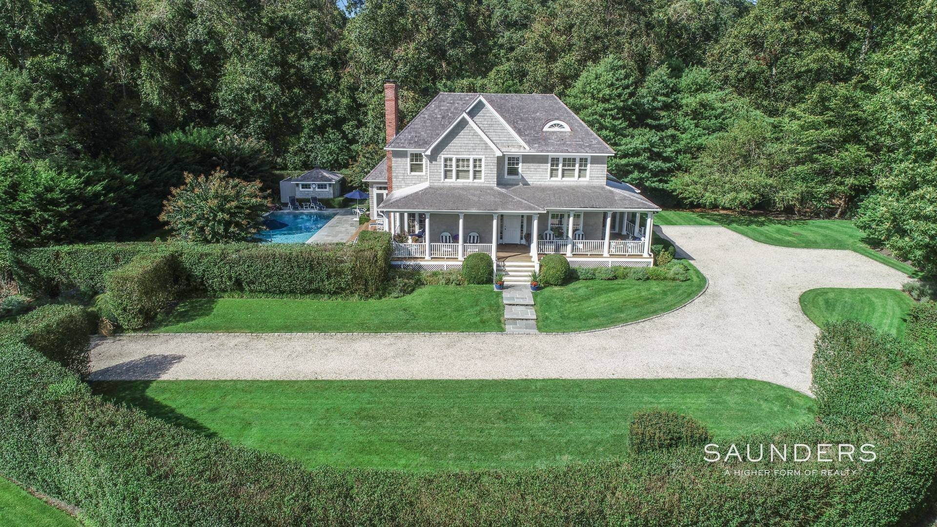 Single Family Homes for Sale at Picture Perfect 2 Heritage Farm Lane, East Hampton, East Hampton Town, NY 11937