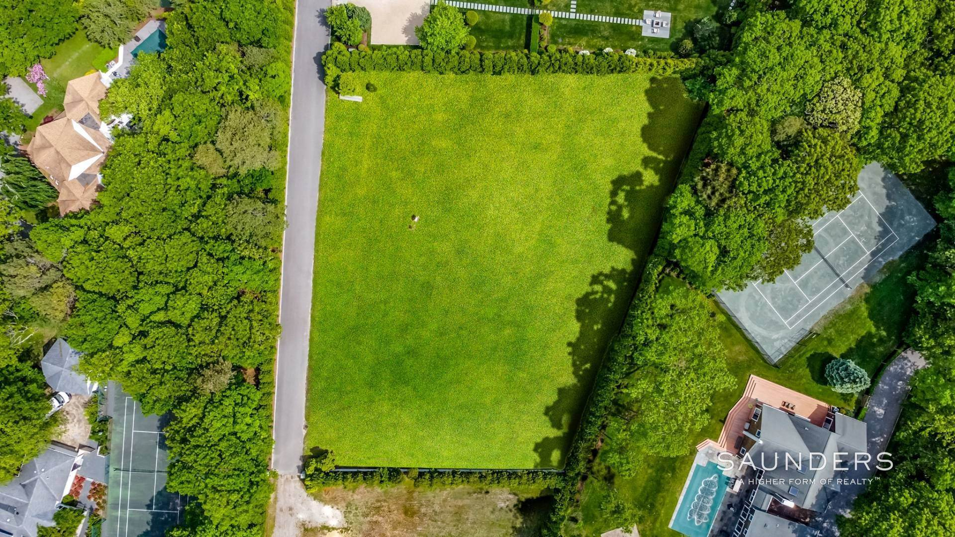 4. Land for Sale at Vacant Land Opportunity Center Of The Village Of Quogue 129 Montauk Highway, Quogue Village, Southampton Town, NY 11959