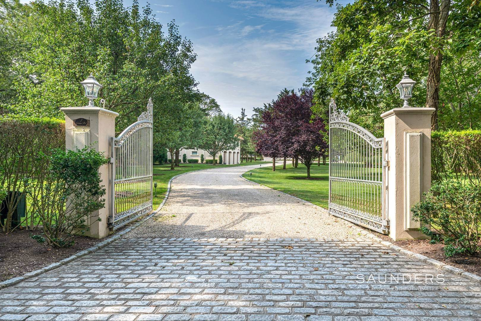 5. Single Family Homes for Sale at Palm Beach Meets The Hamptons At This Palatial Waterfront Estate 7 Cross Road, Remsenburg, Southampton Town, NY 11960