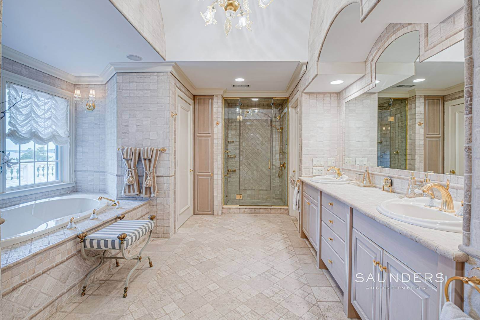 25. Single Family Homes for Sale at Palm Beach Meets The Hamptons At This Palatial Waterfront Estate 7 Cross Road, Remsenburg, Southampton Town, NY 11960