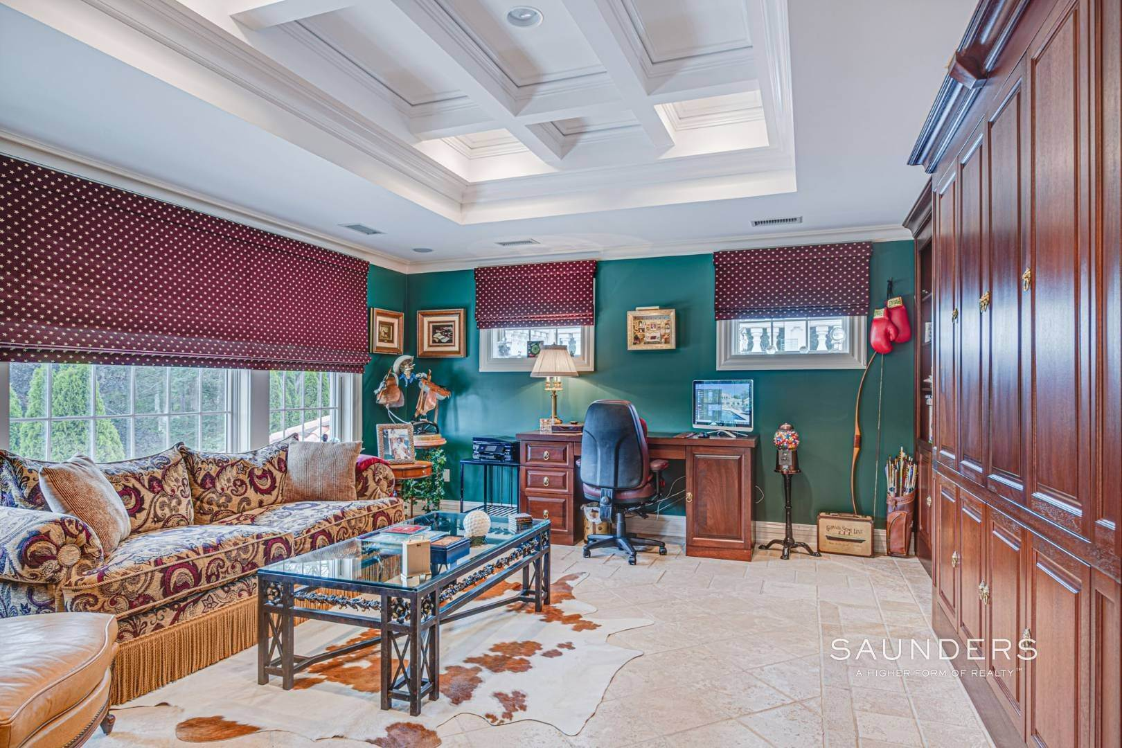 23. Single Family Homes for Sale at Palm Beach Meets The Hamptons At This Palatial Waterfront Estate 7 Cross Road, Remsenburg, Southampton Town, NY 11960