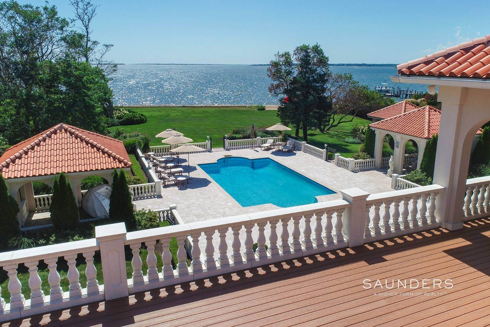 27. Single Family Homes for Sale at Palm Beach Meets The Hamptons At This Palatial Waterfront Estate 7 Cross Road, Remsenburg, Southampton Town, NY 11960
