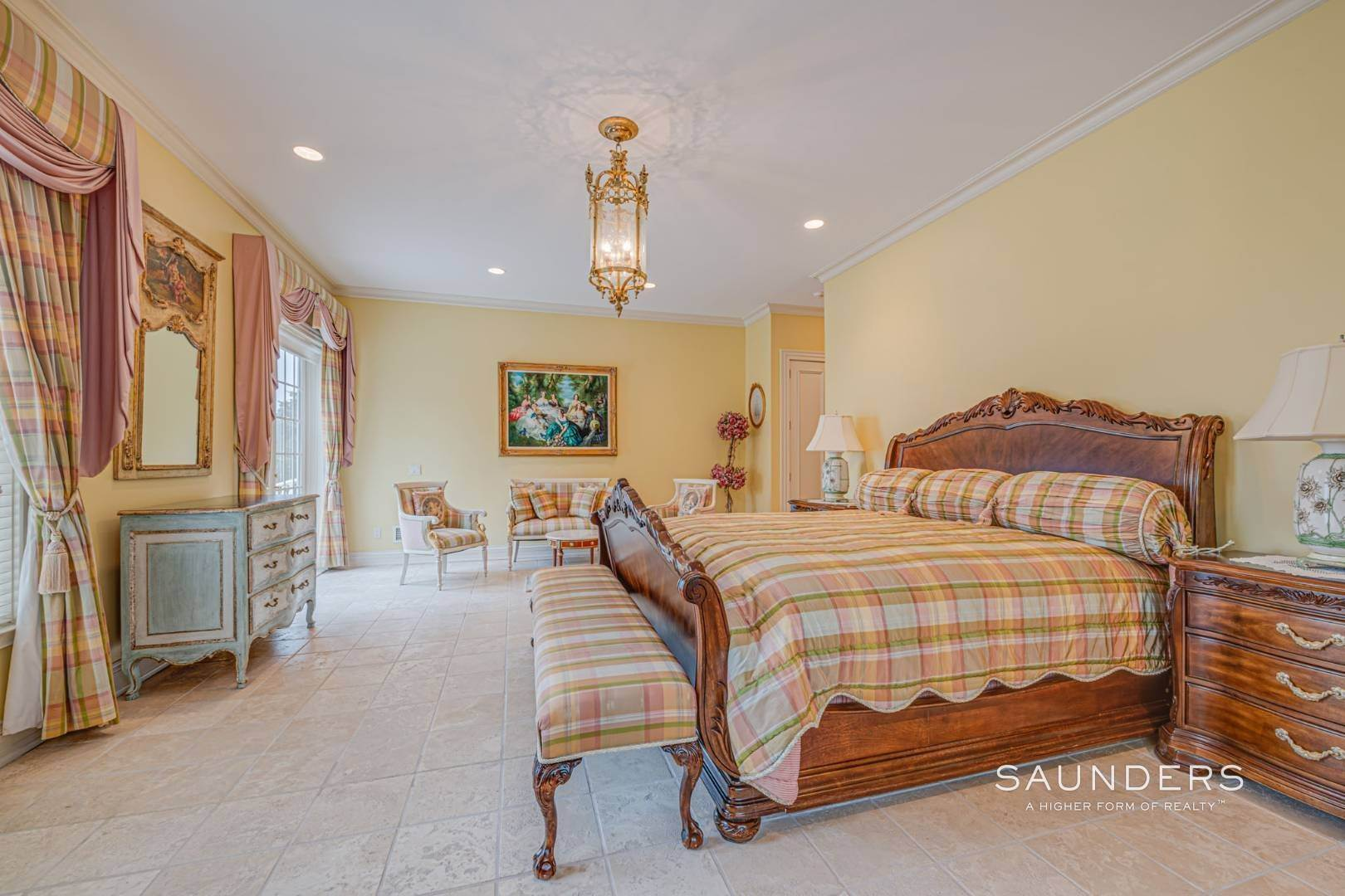 17. Single Family Homes for Sale at Palm Beach Meets The Hamptons At This Palatial Waterfront Estate 7 Cross Road, Remsenburg, Southampton Town, NY 11960