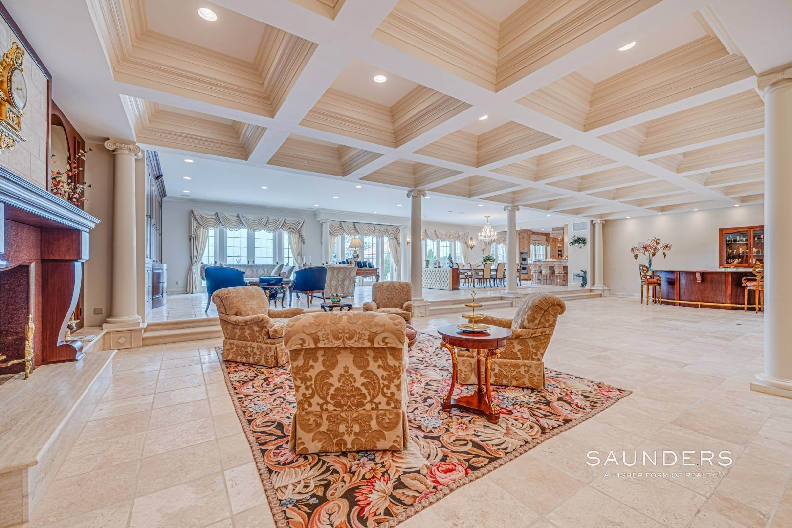 13. Single Family Homes for Sale at Palm Beach Meets The Hamptons At This Palatial Waterfront Estate 7 Cross Road, Remsenburg, Southampton Town, NY 11960