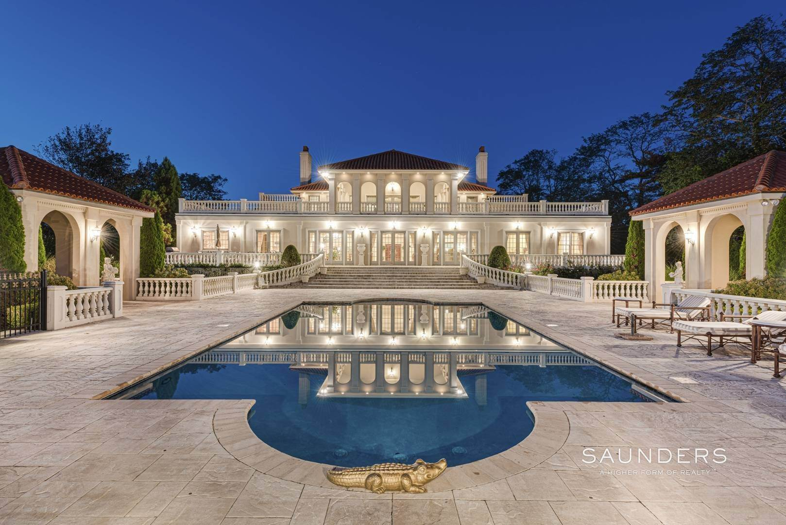 3. Single Family Homes for Sale at Palm Beach Meets The Hamptons At This Palatial Waterfront Estate 7 Cross Road, Remsenburg, Southampton Town, NY 11960