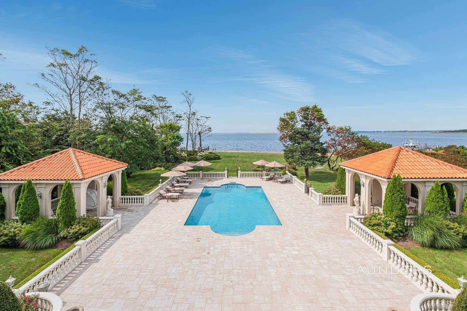 29. Single Family Homes for Sale at Palm Beach Meets The Hamptons At This Palatial Waterfront Estate 7 Cross Road, Remsenburg, Southampton Town, NY 11960