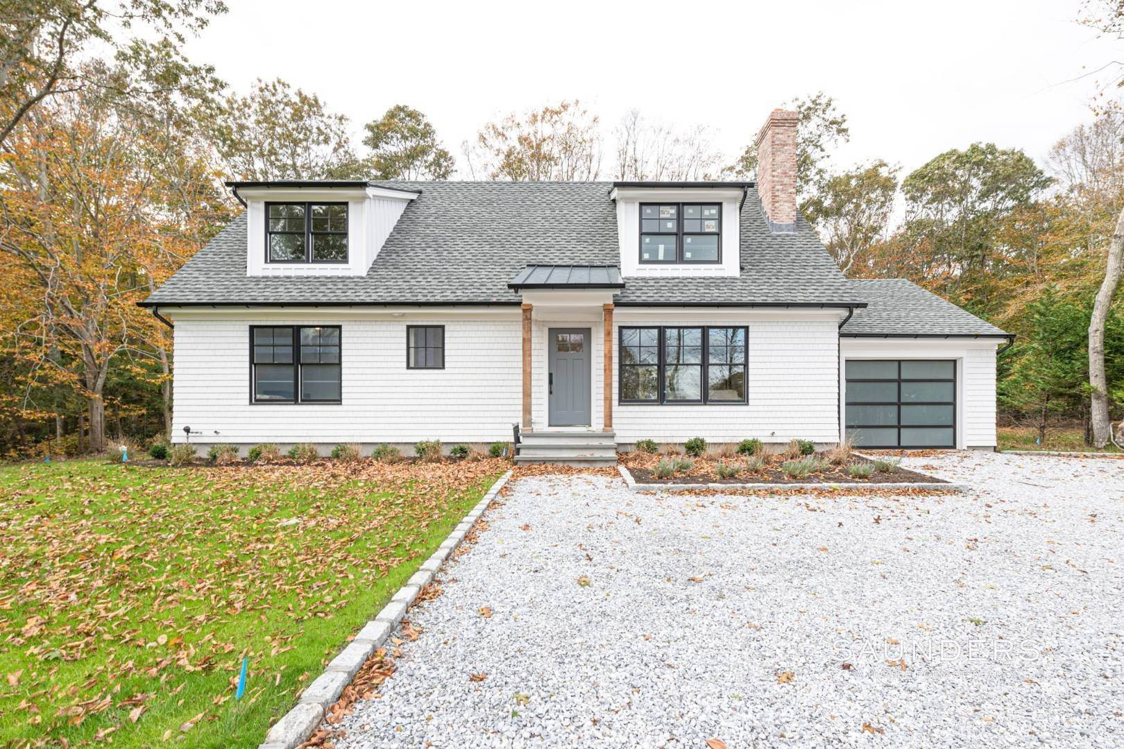 17. Single Family Homes for Sale at New Construction On Flag Lot With Room For Pool In Water Mill 479 Seven Ponds Towd Road, Water Mill, Southampton Town, NY 11976