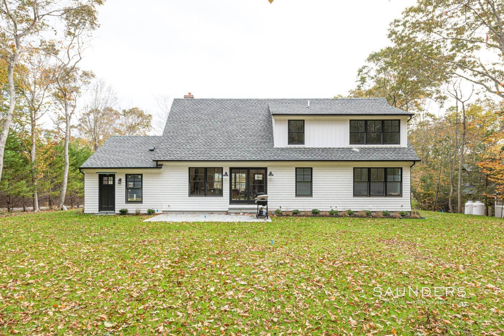 19. Single Family Homes for Sale at New Construction On Flag Lot With Room For Pool In Water Mill 479 Seven Ponds Towd Road, Water Mill, Southampton Town, NY 11976