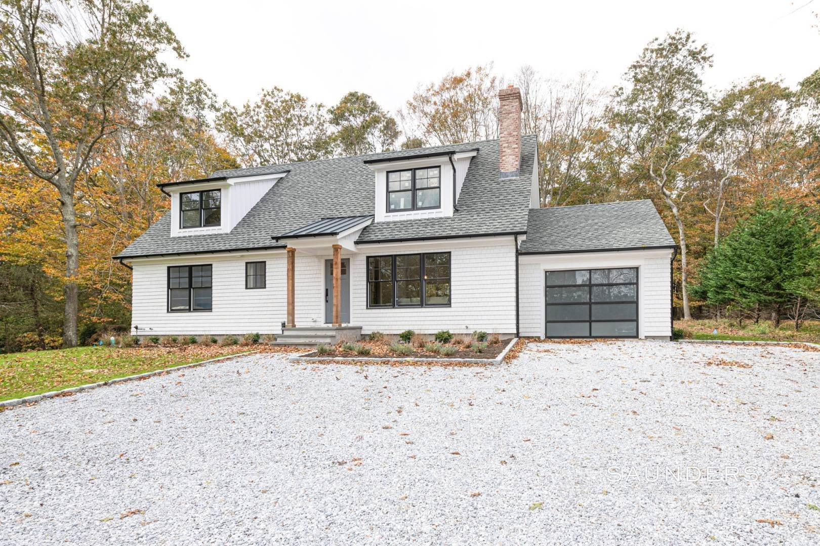 18. Single Family Homes for Sale at New Construction On Flag Lot With Room For Pool In Water Mill 479 Seven Ponds Towd Road, Water Mill, Southampton Town, NY 11976