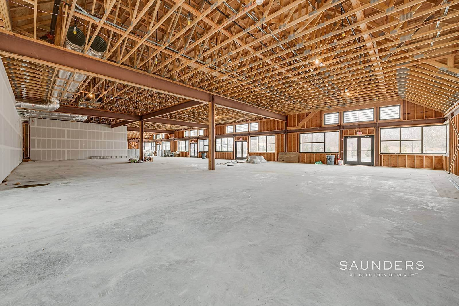 22. Commercial for Sale at New Southampton Retail And Office Space 2 Montauk Highway, Water Mill, Southampton Town, NY 11968