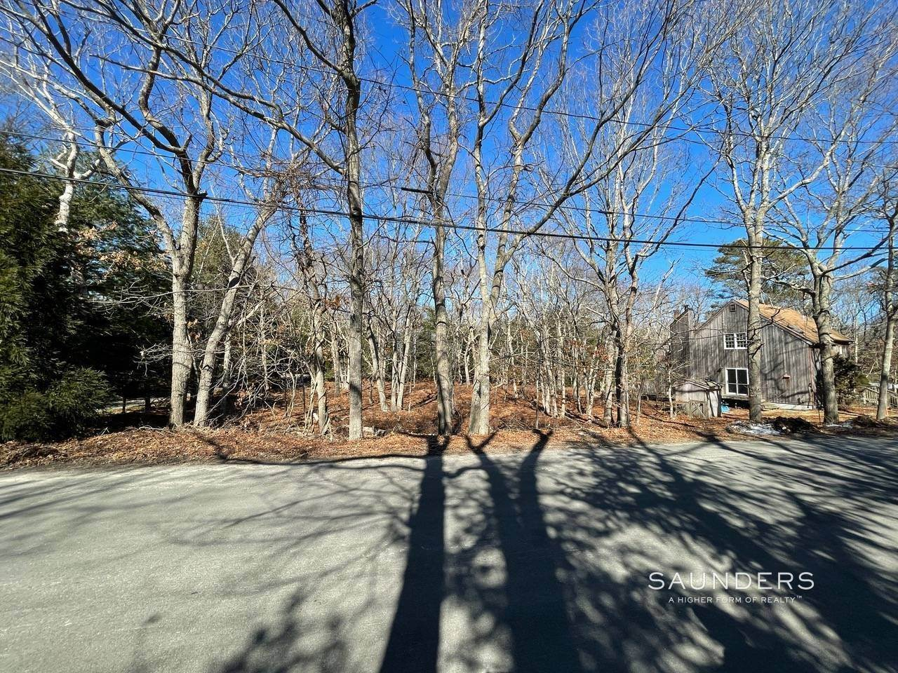 2. Land for Sale at East Hampton Building Lot 51 Wooded Oak Lane, East Hampton, East Hampton Town, NY 11937
