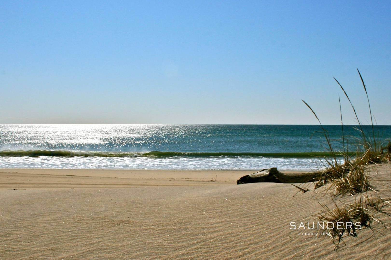 21. Co-op Properties for Sale at Amagansett Oceanfront 379 Bluff Road, Units# 119, 218, 219, Amagansett, East Hampton Town, NY 11930
