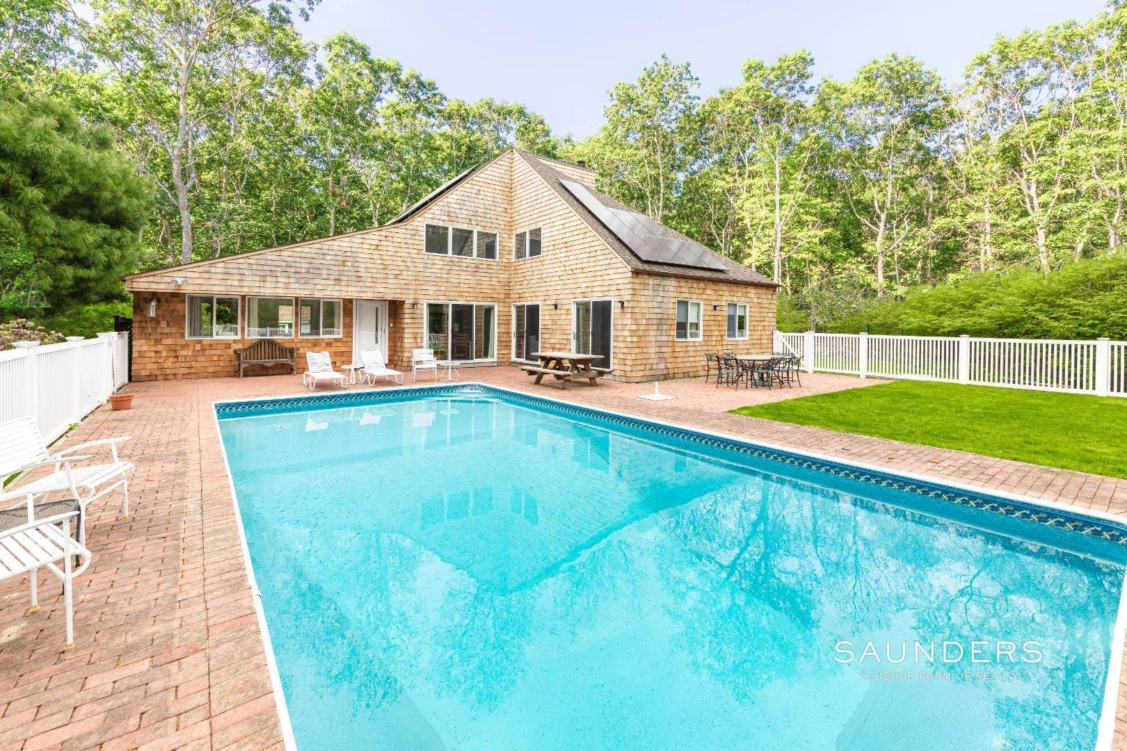 Single Family Homes for Sale at East Hampton Village Fringe Modern 11 Wagon Lane, East Hampton, East Hampton Town, NY 11937