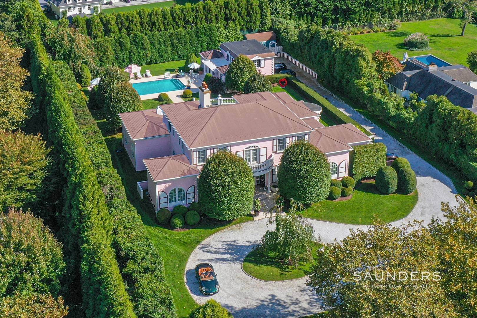2. Single Family Homes for Sale at Elegant Estate Section Home, Moments To The Ocean 622 Halsey Neck Lane, Southampton, Southampton Town, NY 11968