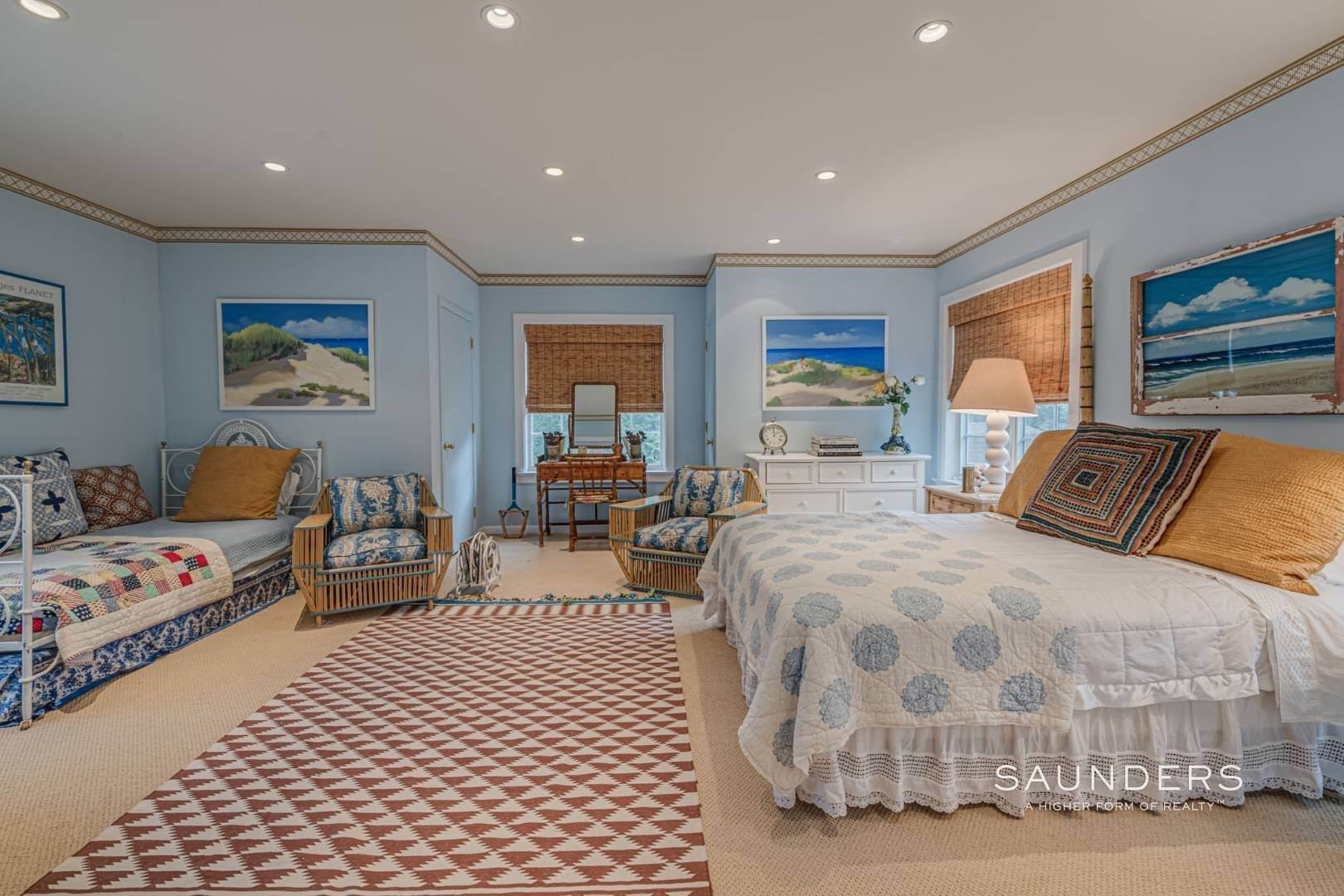 23. Single Family Homes for Sale at Elegant Estate Section Home, Moments To The Ocean 622 Halsey Neck Lane, Southampton, Southampton Town, NY 11968