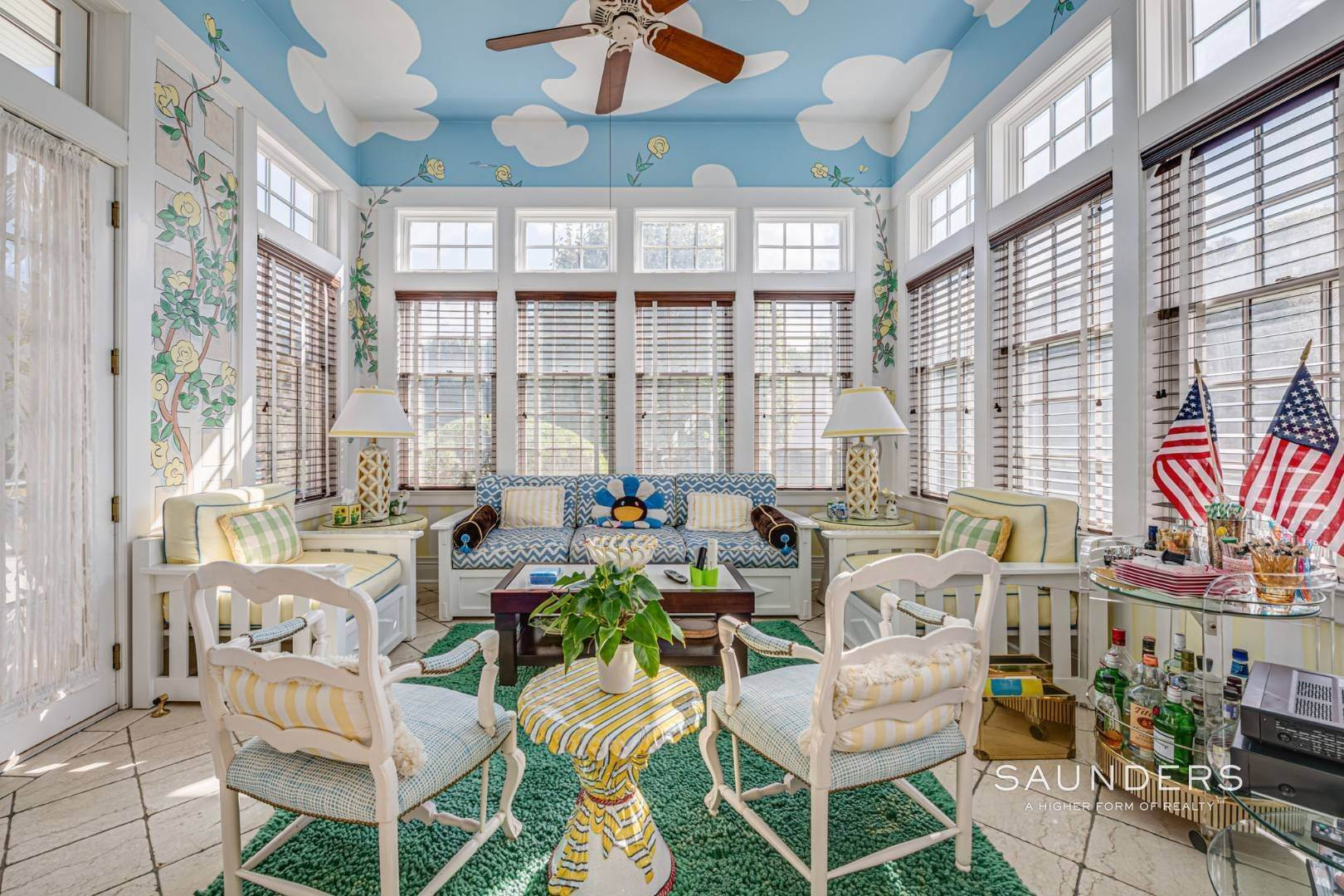 6. Single Family Homes for Sale at Elegant Estate Section Home, Moments To The Ocean 622 Halsey Neck Lane, Southampton, Southampton Town, NY 11968