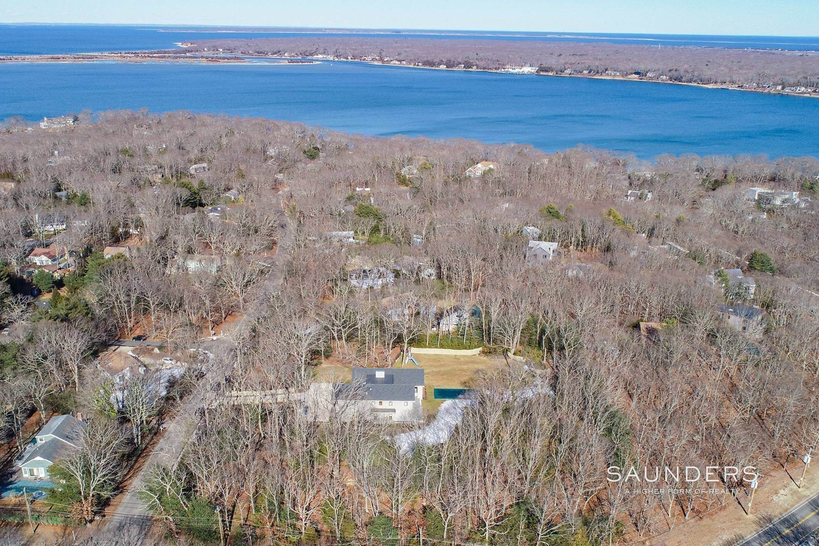 31. Single Family Homes for Sale at East Hampton, East Hampton Town, NY 11937