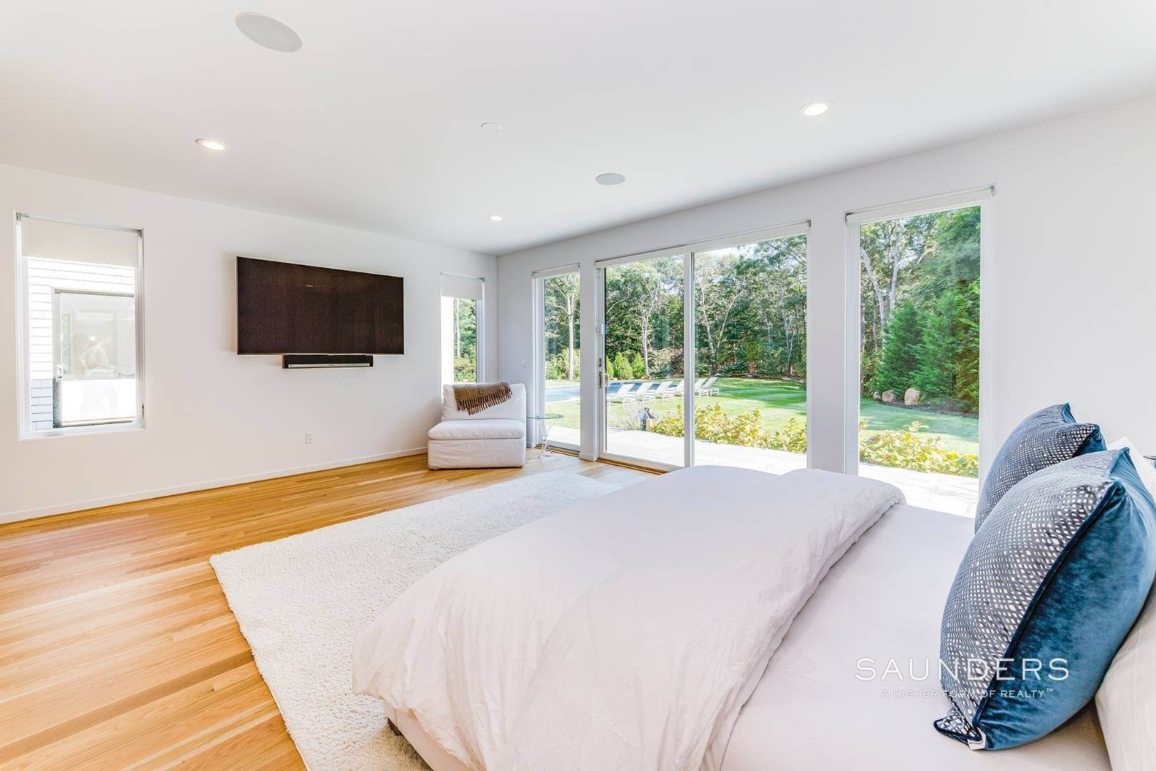 12. Single Family Homes for Sale at East Hampton, East Hampton Town, NY 11937