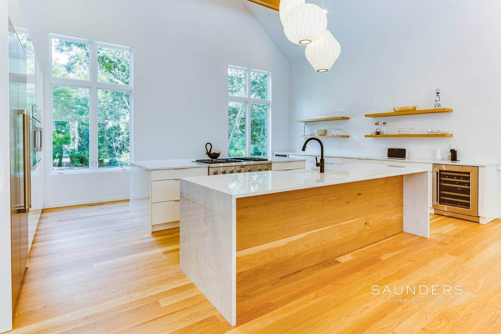 7. Single Family Homes for Sale at East Hampton, East Hampton Town, NY 11937