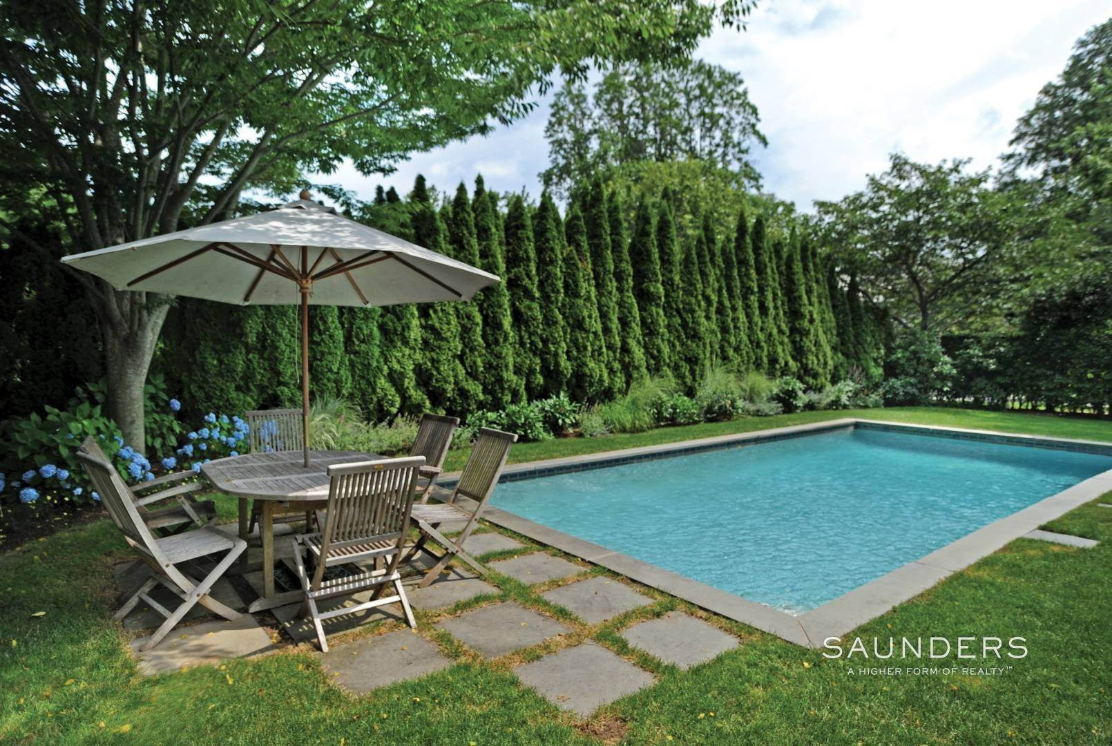 17. Single Family Homes for Sale at Quintessential Village Gem 22 Dayton Lane, East Hampton, East Hampton Town, NY 11937