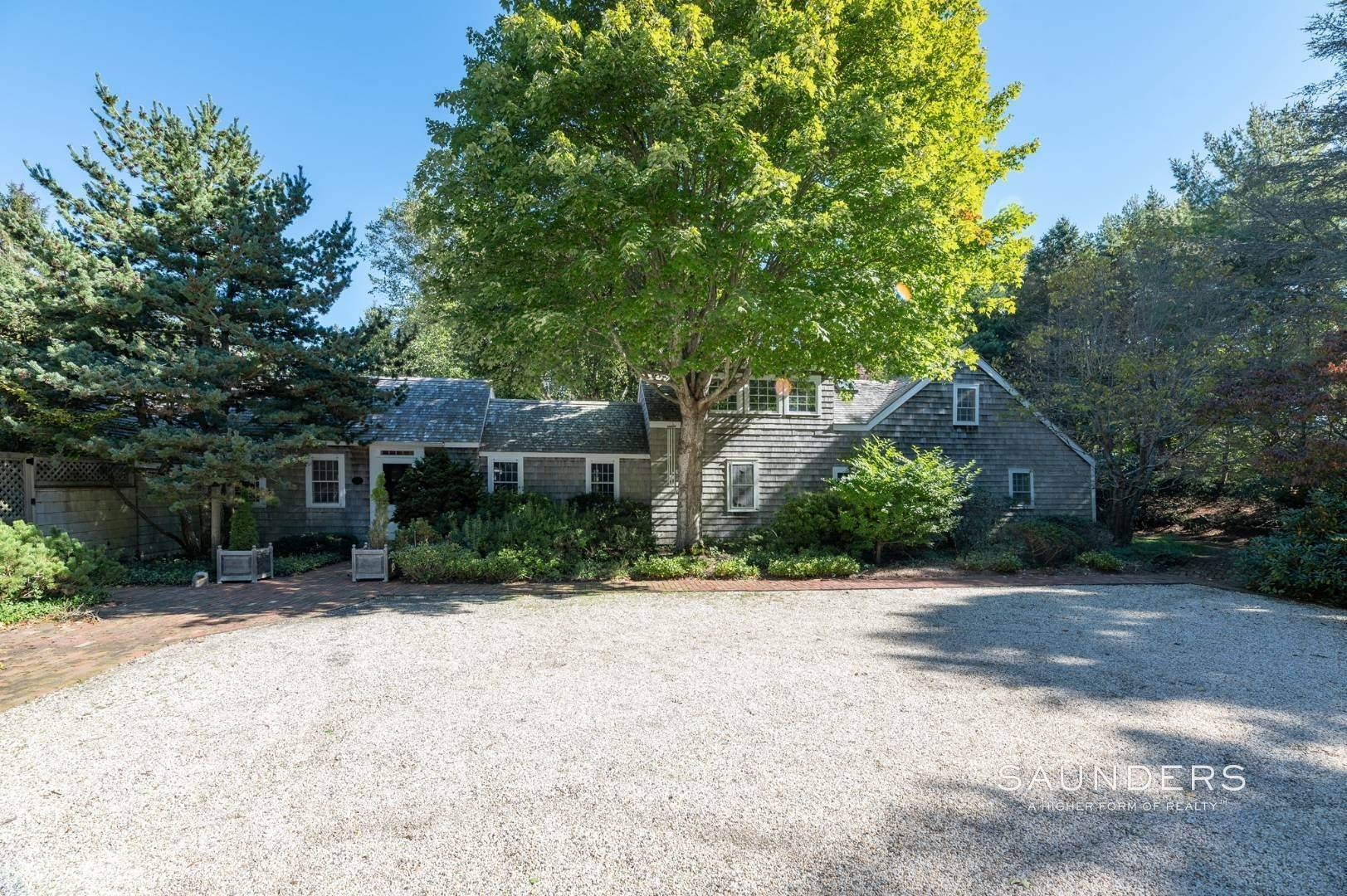 Single Family Homes for Sale at Historic House In Quogue 115 Montauk Highway, Quogue Village, Southampton Town, NY 11942