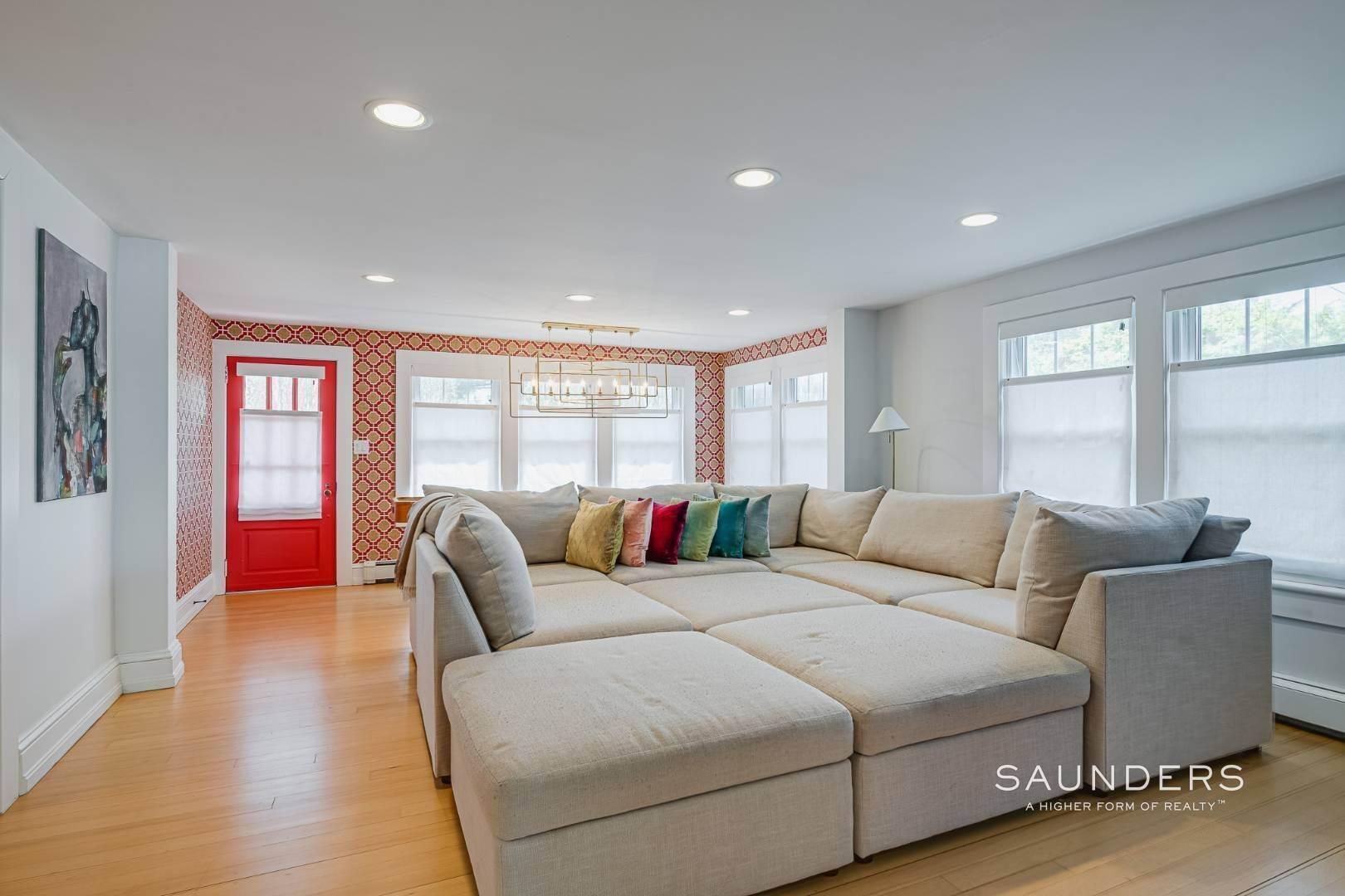 4. Single Family Homes for Sale at Turnkey Oasis Outside Southampton Village 25 Hampton Street, Southampton, Southampton Town, NY 11968