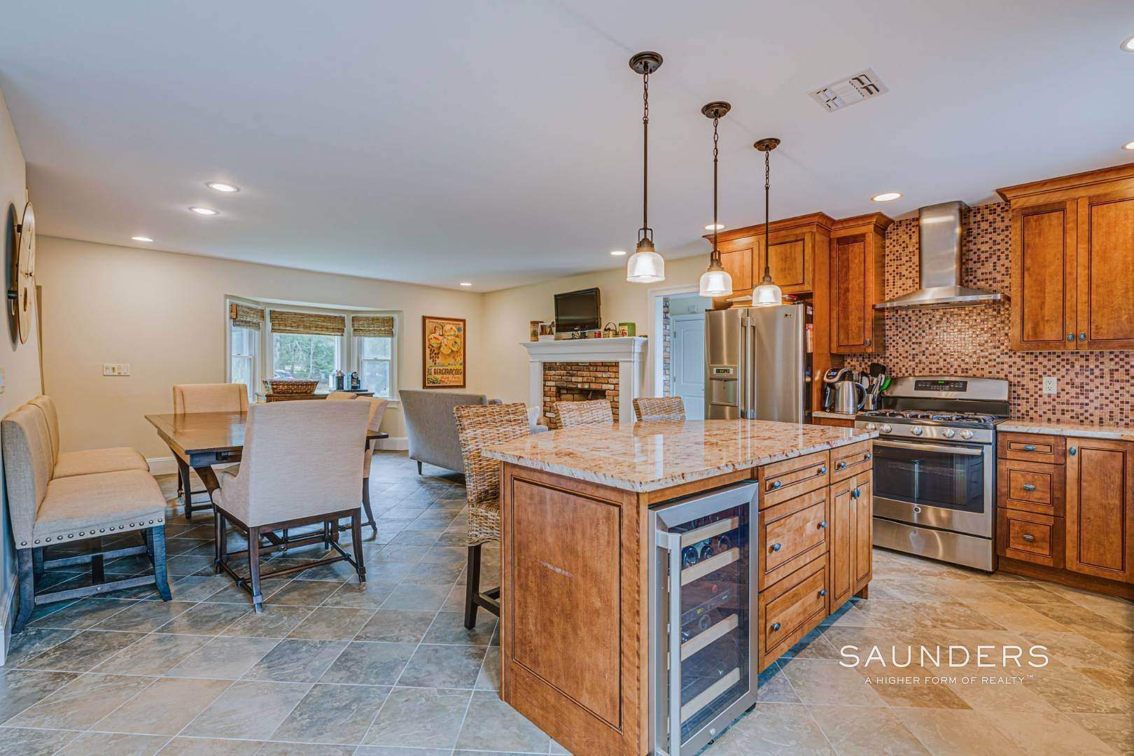8. Single Family Homes for Sale at Turnkey Southampton Oasis 41 Hillside Road, Southampton, Southampton Town, NY 11968