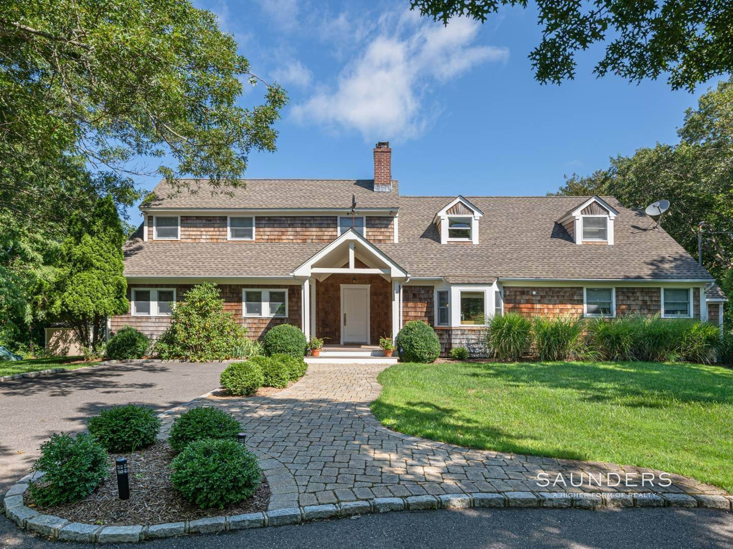 Single Family Homes for Sale at Turnkey Southampton Oasis 41 Hillside Road, Southampton, Southampton Town, NY 11968