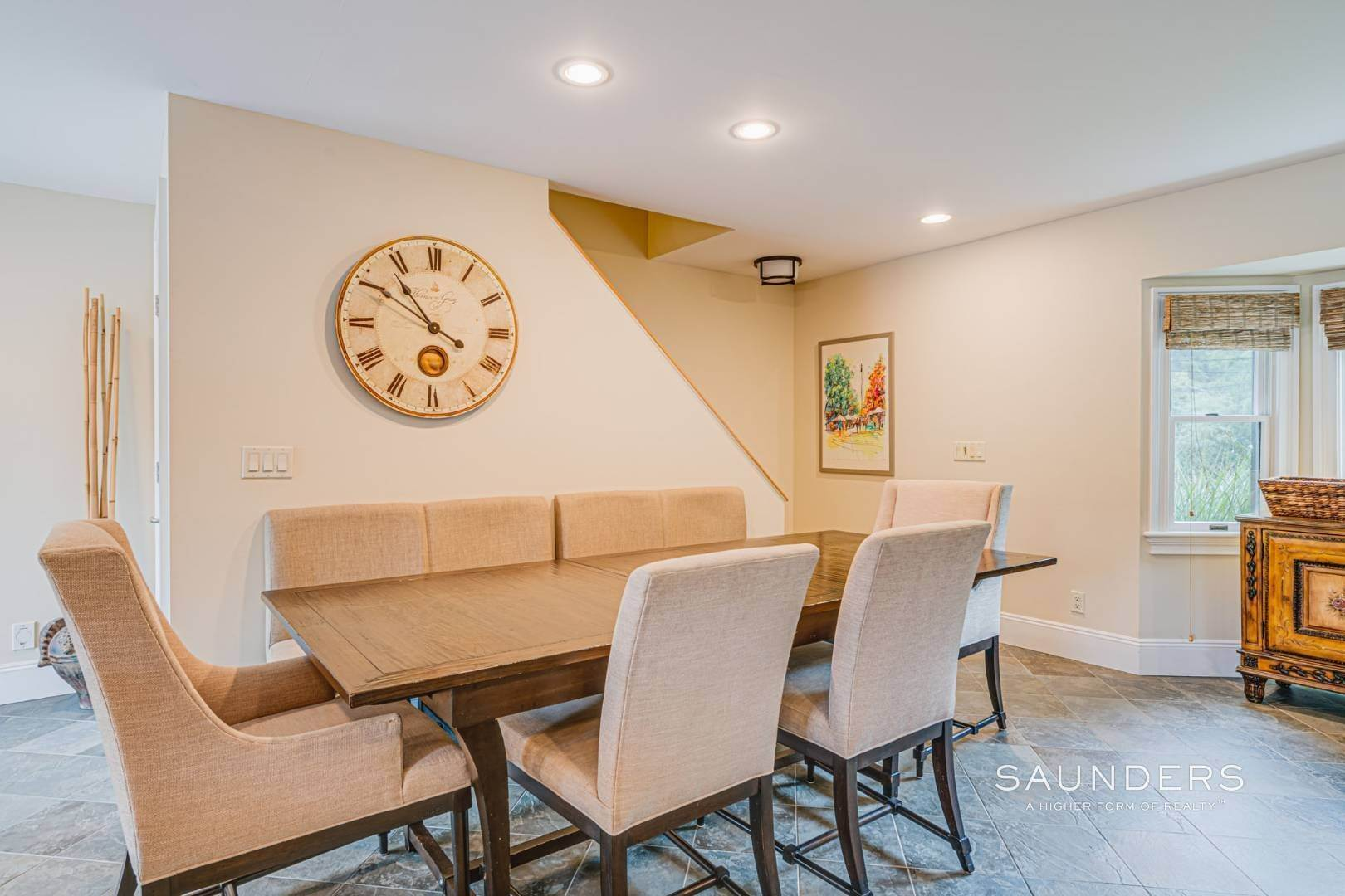 20. Single Family Homes for Sale at Turnkey Southampton Oasis 41 Hillside Road, Southampton, Southampton Town, NY 11968
