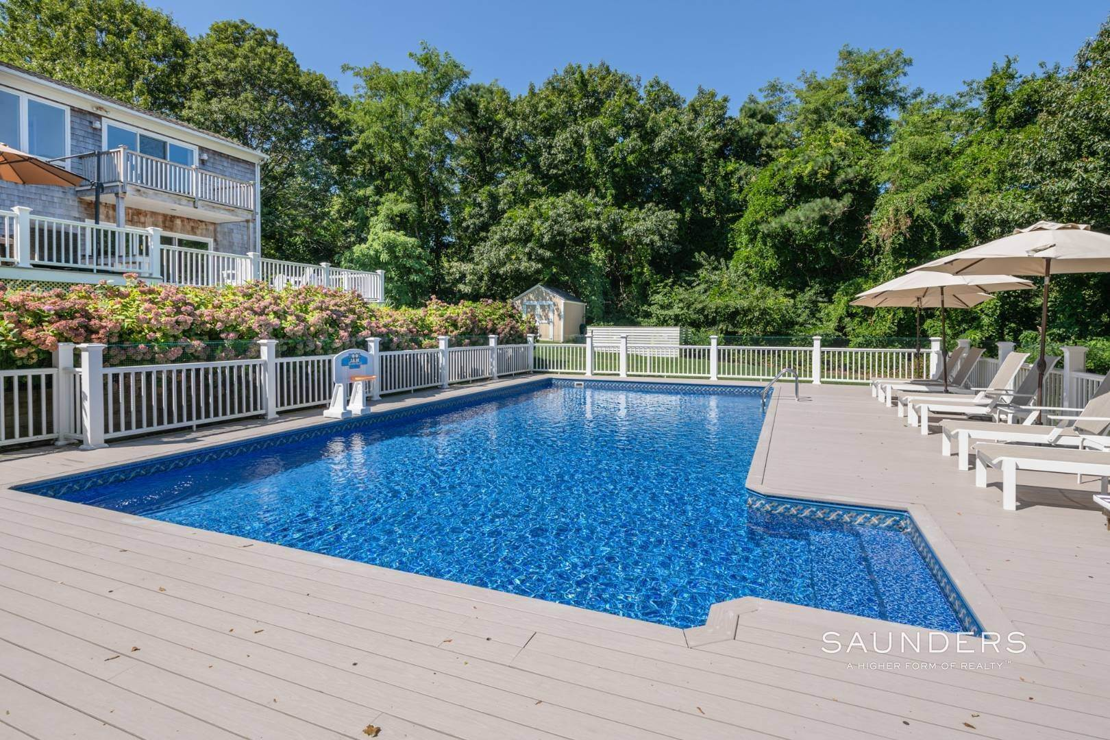 24. Single Family Homes for Sale at Turnkey Southampton Oasis 41 Hillside Road, Southampton, Southampton Town, NY 11968