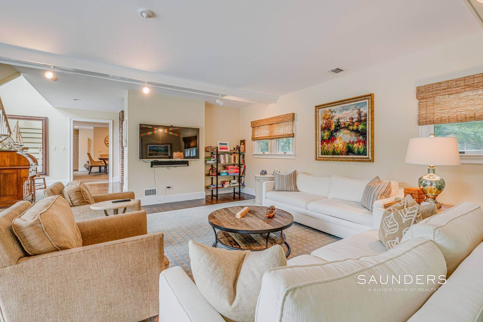4. Single Family Homes for Sale at Turnkey Southampton Oasis 41 Hillside Road, Southampton, Southampton Town, NY 11968