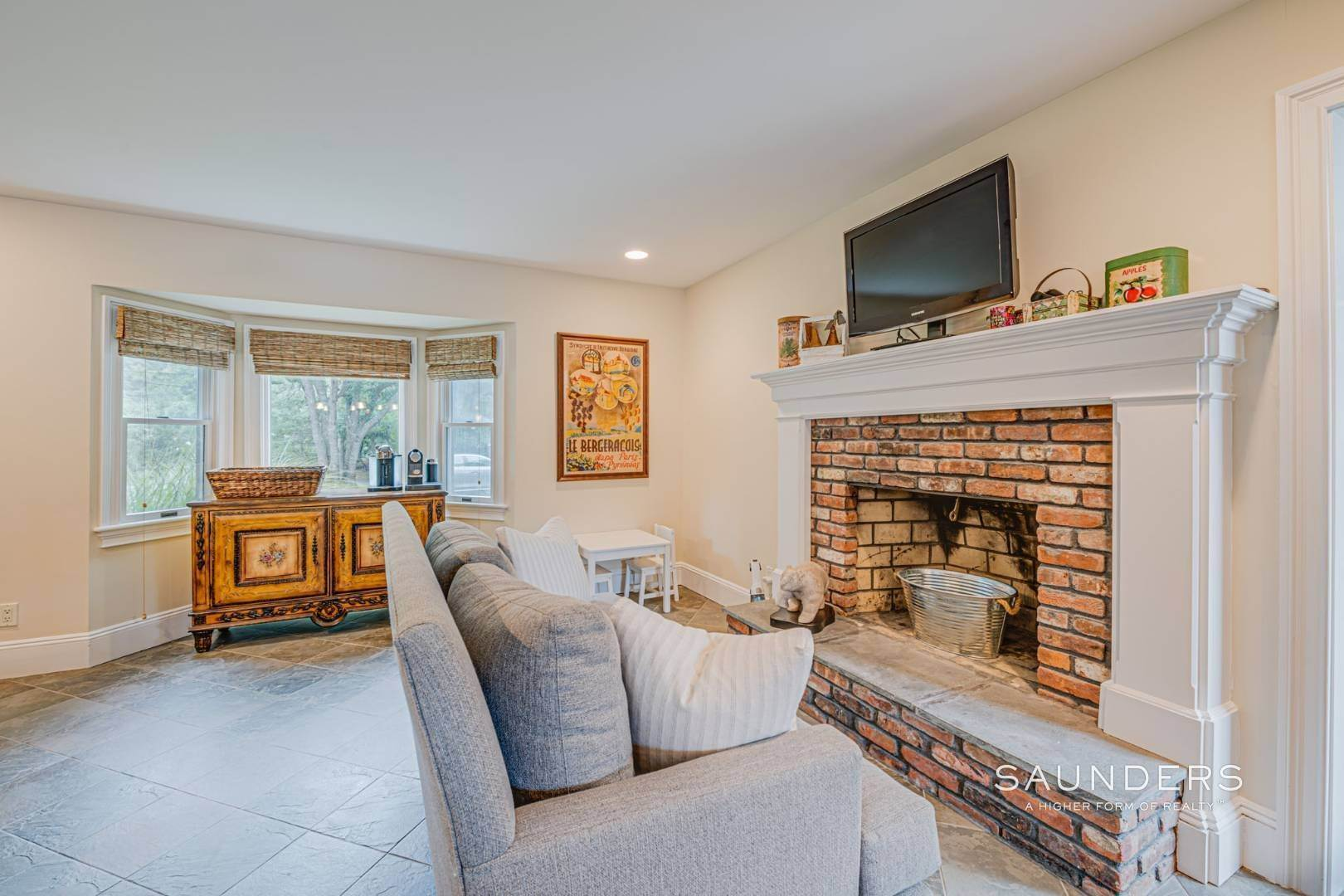 7. Single Family Homes for Sale at Turnkey Southampton Oasis 41 Hillside Road, Southampton, Southampton Town, NY 11968