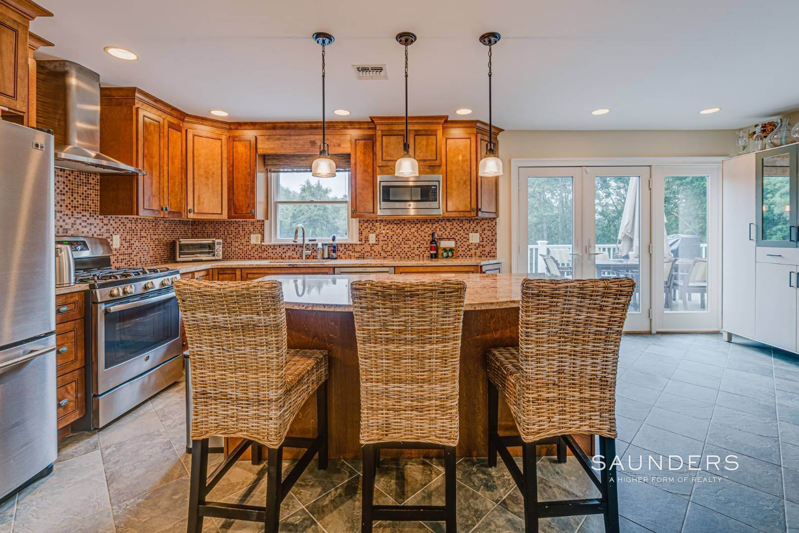 10. Single Family Homes for Sale at Turnkey Southampton Oasis 41 Hillside Road, Southampton, Southampton Town, NY 11968