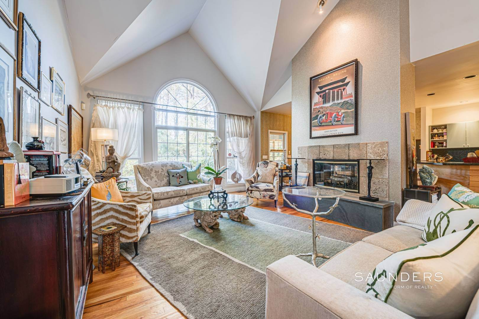 4. Single Family Homes for Sale at East Hampton Room For Tennis 2+ Acres 1 Deer Haven Court, East Hampton, East Hampton Town, NY 11937