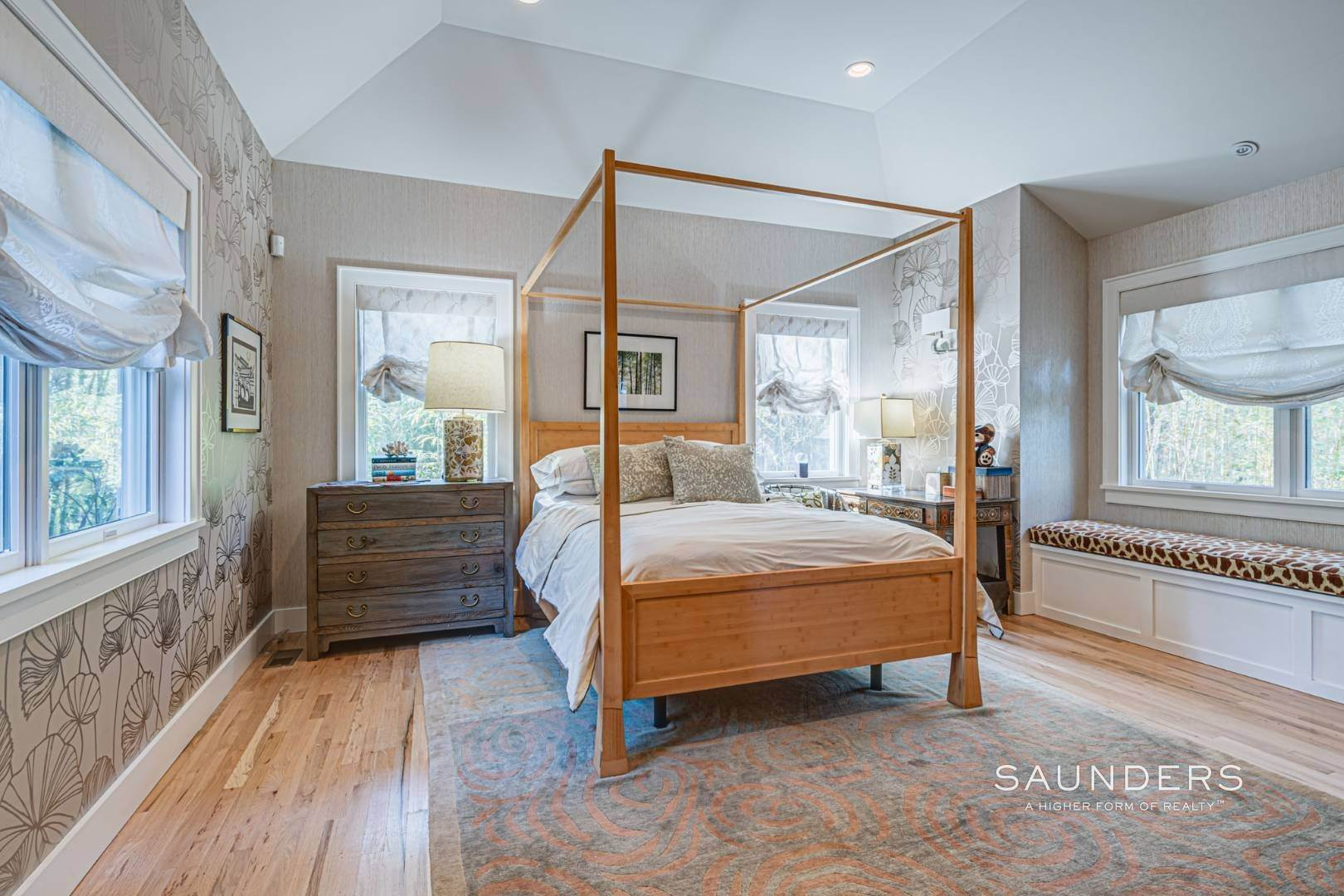 12. Single Family Homes for Sale at East Hampton Room For Tennis 2+ Acres 1 Deer Haven Court, East Hampton, East Hampton Town, NY 11937
