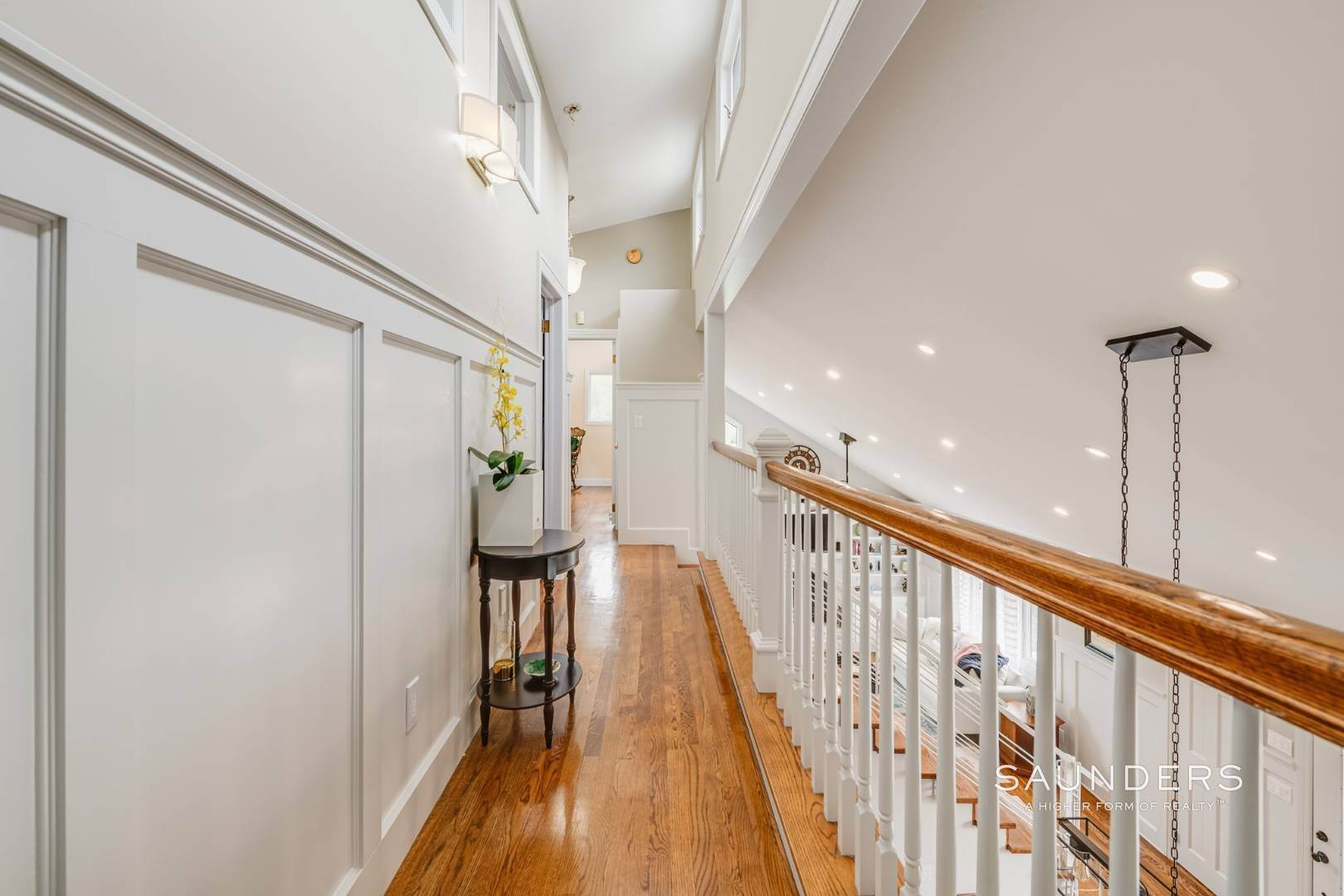 17. Single Family Homes for Sale at Southampton South Renovated With Pool 51 Cheviot Road, Southampton, Southampton Town, NY 11968