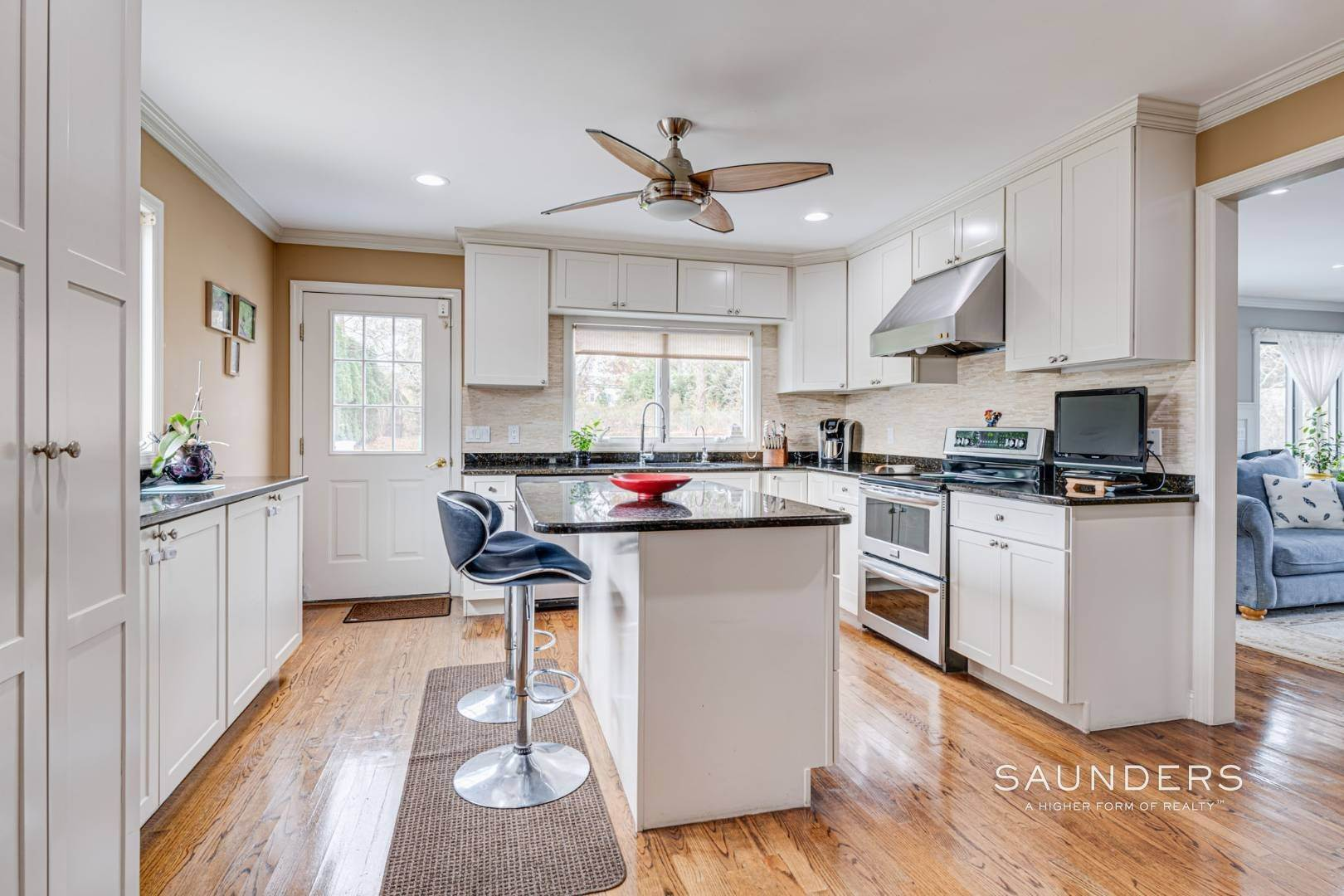 7. Single Family Homes for Sale at Southampton South Renovated With Pool 51 Cheviot Road, Southampton, Southampton Town, NY 11968