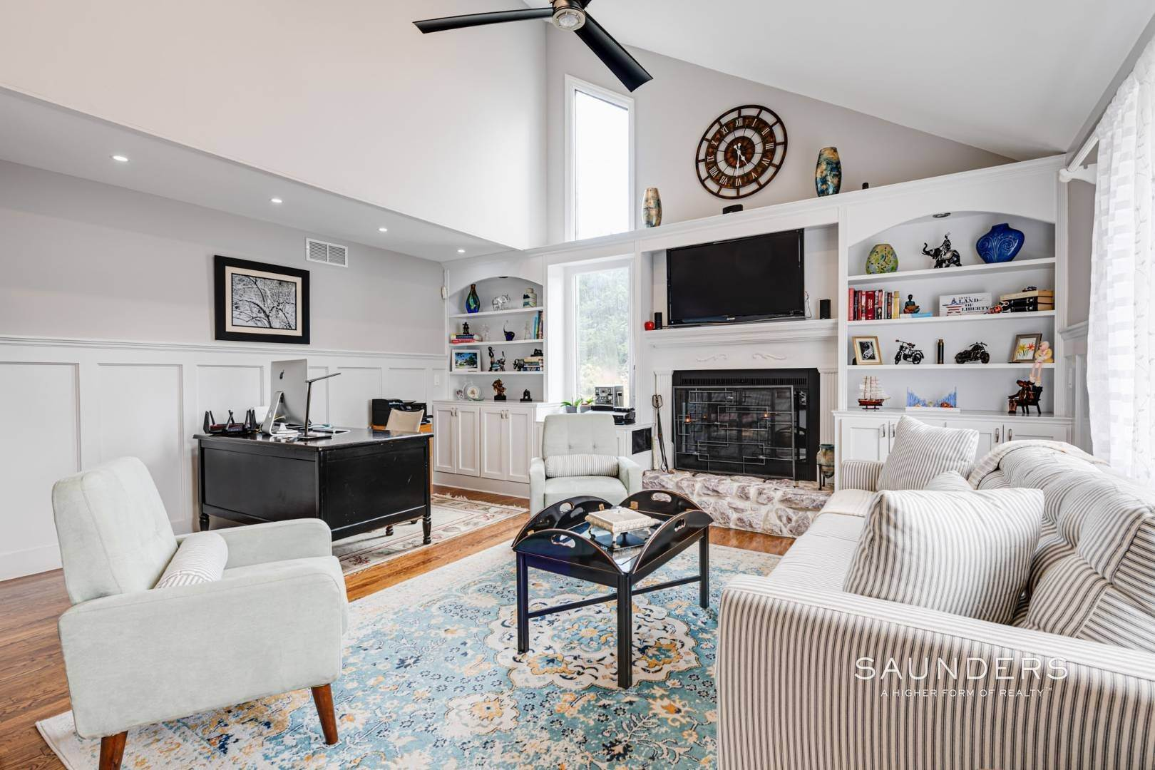 4. Single Family Homes for Sale at Southampton South Renovated With Pool 51 Cheviot Road, Southampton, Southampton Town, NY 11968