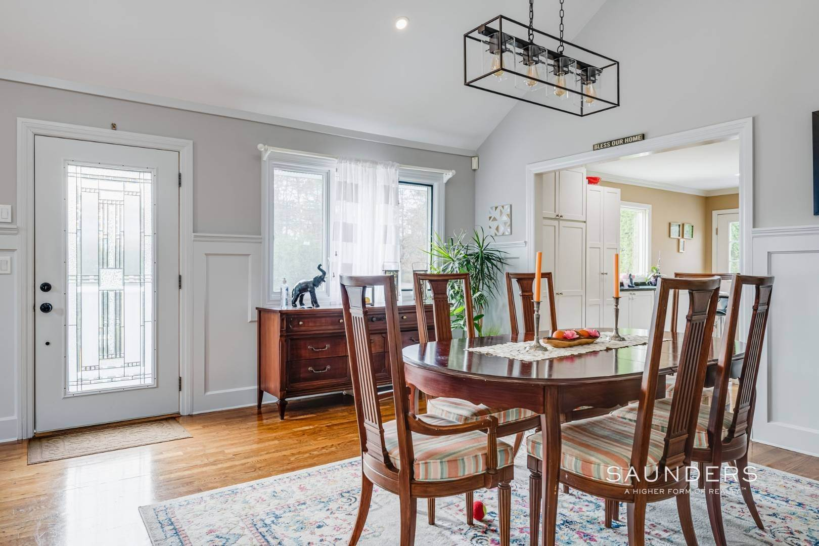 6. Single Family Homes for Sale at Southampton South Renovated With Pool 51 Cheviot Road, Southampton, Southampton Town, NY 11968
