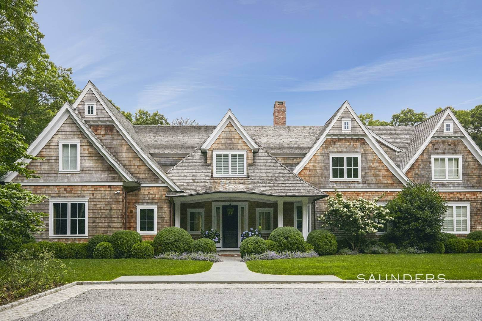 Single Family Homes for Sale at Rare Opportunity In Wainscott South With Tennis 23 Two Rod Highway, Wainscott, East Hampton Town, NY 11975
