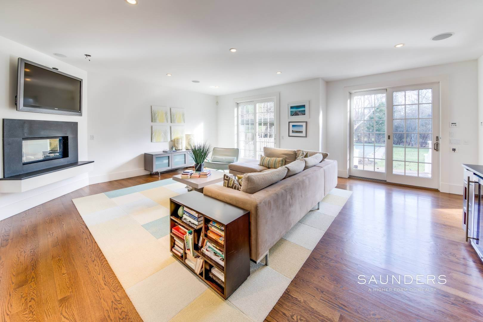 10. Single Family Homes for Sale at Wainscott South Traditional Near Beach Lane 10 Merriwood Drive, Wainscott, East Hampton Town, NY 11975