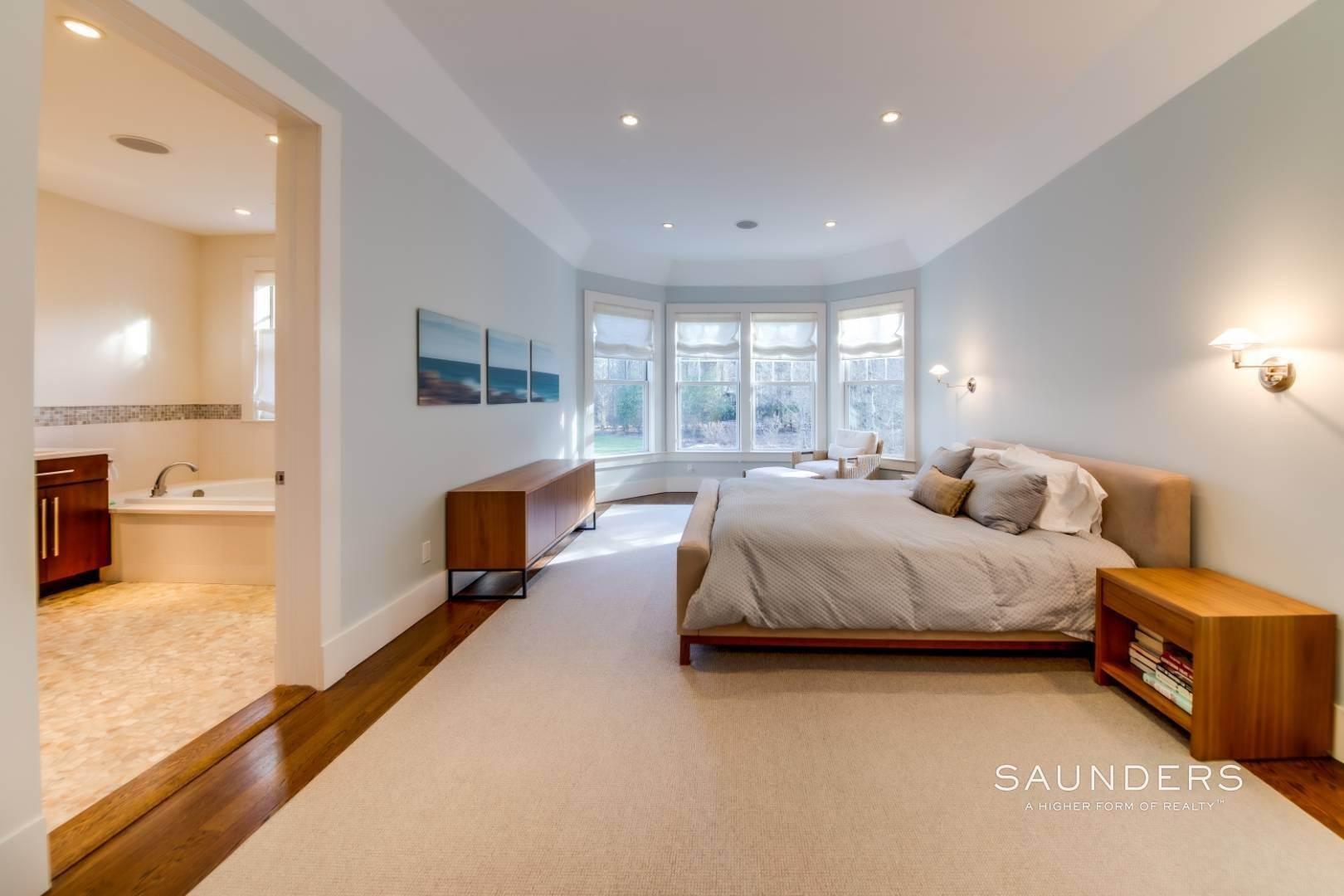 14. Single Family Homes for Sale at Wainscott South Traditional Near Beach Lane 10 Merriwood Drive, Wainscott, East Hampton Town, NY 11975