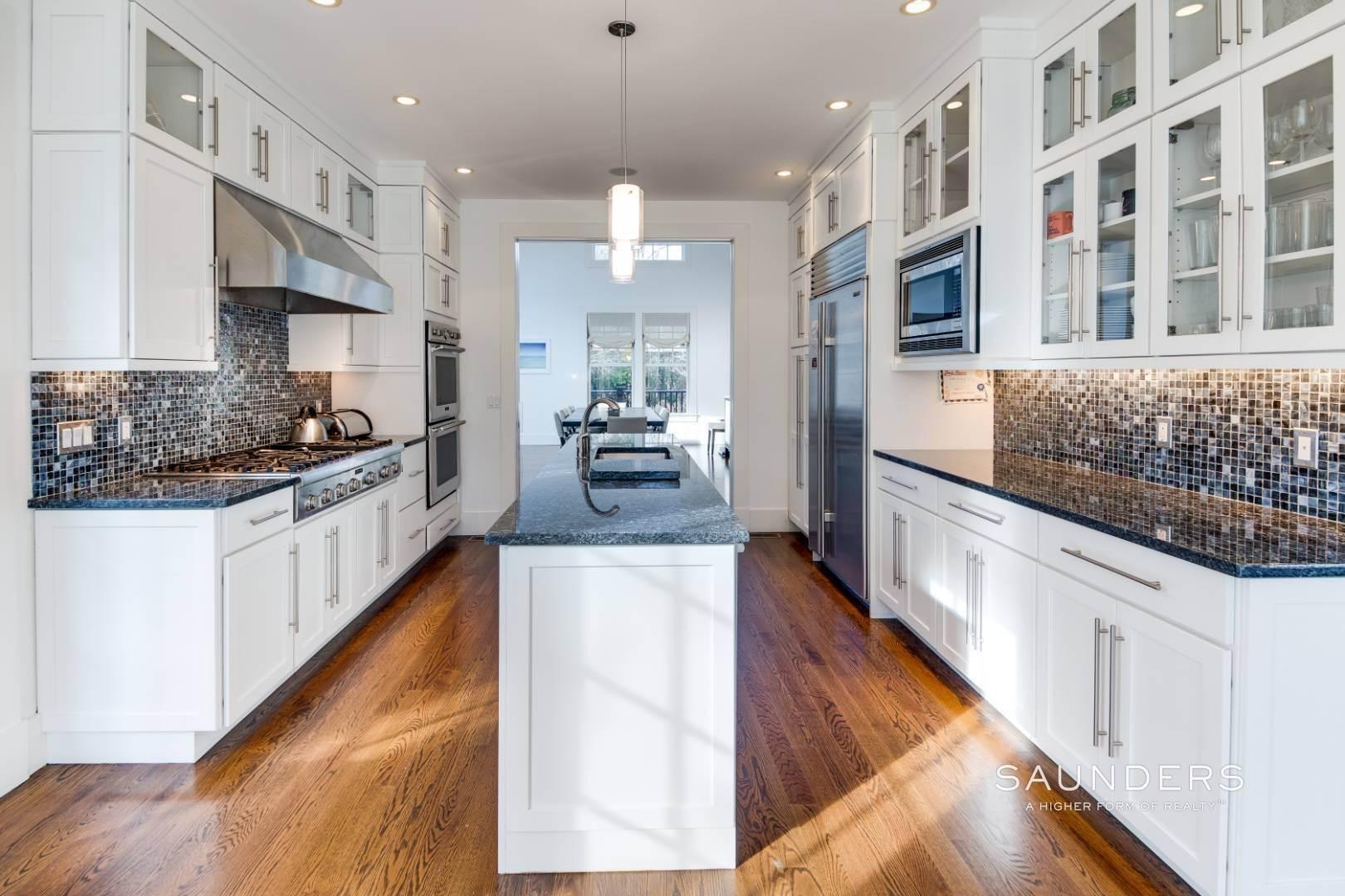 7. Single Family Homes for Sale at Wainscott South Traditional Near Beach Lane 10 Merriwood Drive, Wainscott, East Hampton Town, NY 11975