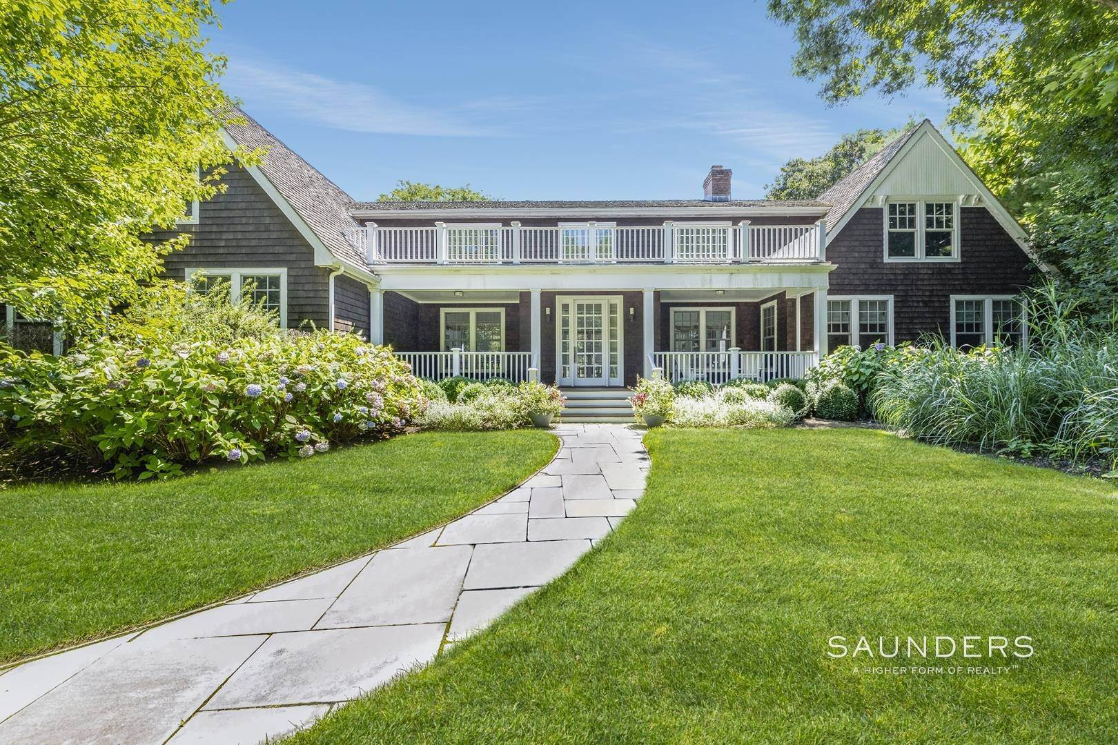 2. Single Family Homes for Sale at Wainscott South Traditional Near Beach Lane 10 Merriwood Drive, Wainscott, East Hampton Town, NY 11975