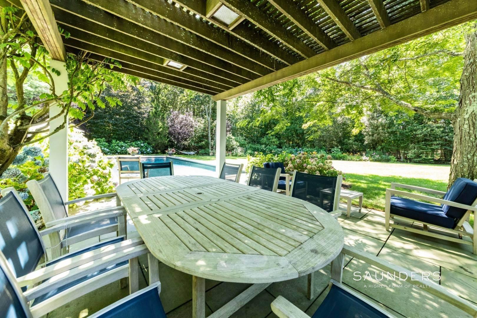 21. Single Family Homes for Sale at Wainscott South Traditional Near Beach Lane 10 Merriwood Drive, Wainscott, East Hampton Town, NY 11975